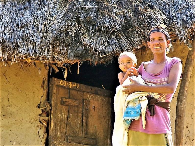 Viva las madres: Ninguna madre debe morir dando Vida africa alegria sin fronteras dr alegria gambo