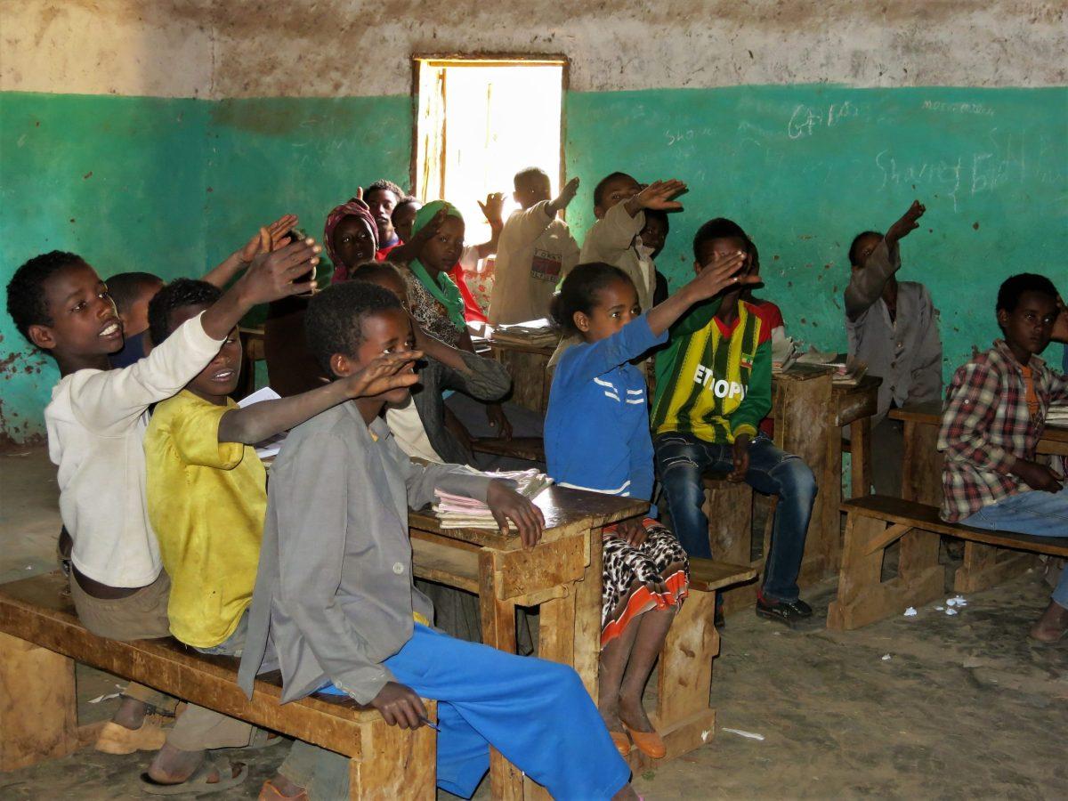 Un pueblo vivo africa alegria gambo alegria sin fronteras