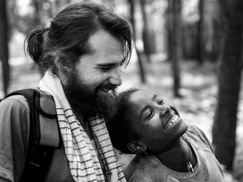 Iba a apadrinarte y me has hermanado africa alegria gambo alegria sin fronteras