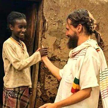 Enriquecedoras diferencias. Iguales en dignidad y derechos africa alegria gambo alegria sin fronteras