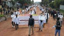 campaña de sensibilización en los poblados junto a las autoridades sanitarias de la región (3)4168839046682261774..jpg