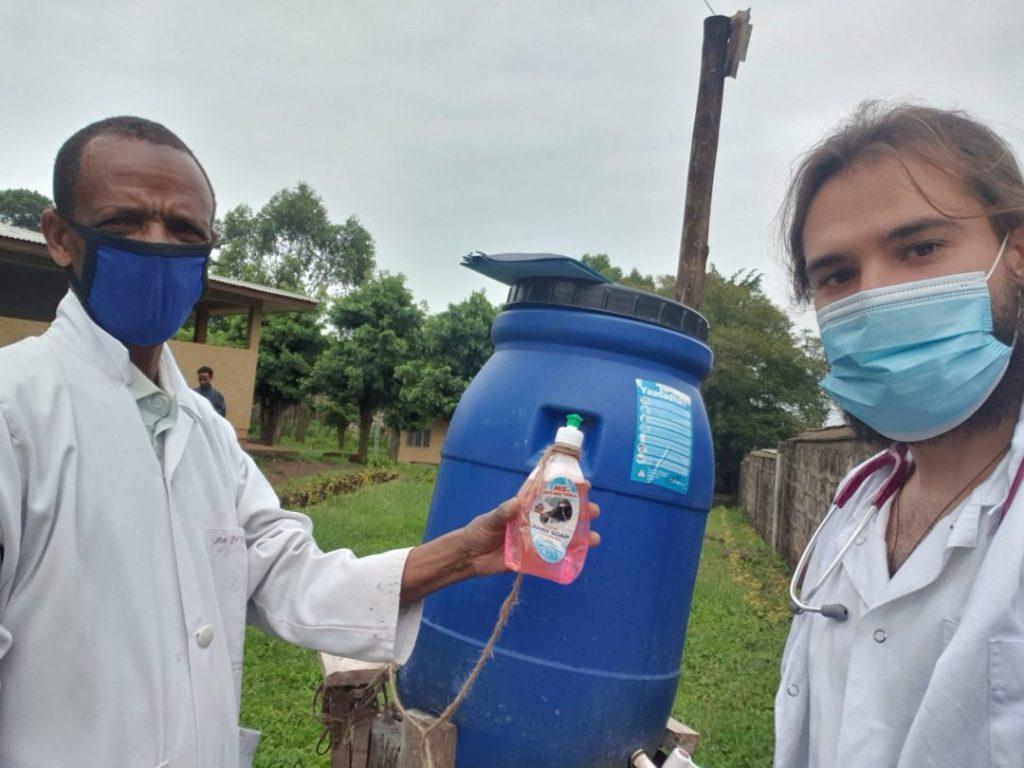 Lavado de manos alegria gambo alegria sin fronteras dr alegria etiopia gambo