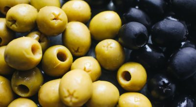 dogs can eat green and black olives