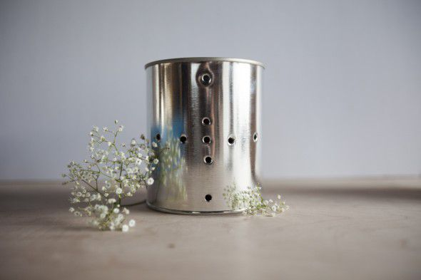 How to Make Glimmering Tin Can Lanterns