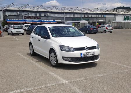 http://Volkswagen%20POLO%201.6%208