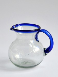 Mini bola pitcher