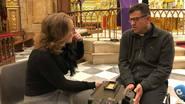 Momento de la entrevista con Pepe López en la Iglesia...
