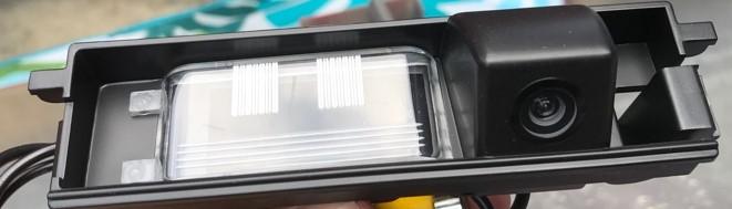 コペンのバック(リア)カメラをきれいに取付けるなら、ライセンス灯一体型で決まり