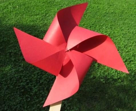 Morișca roșie, o jucărie făcută de mami