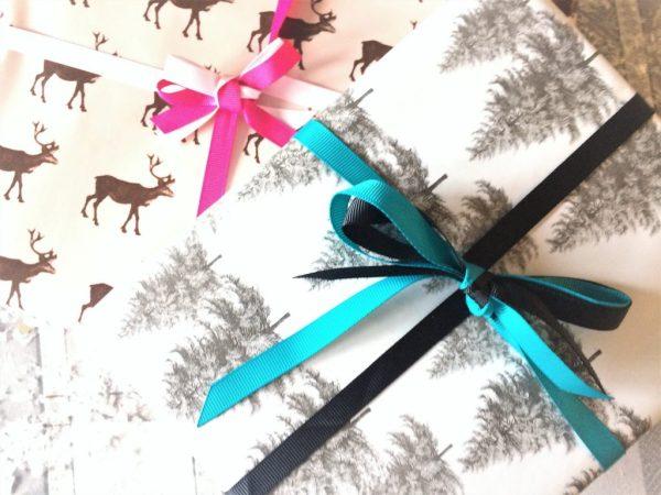 Emballage cadeau avec ruban glossybox