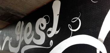 yes_mural_dumbo_sagmeister_wade