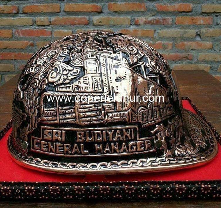 Helm Ukir Tembaga, sumber : Copper Leluhur