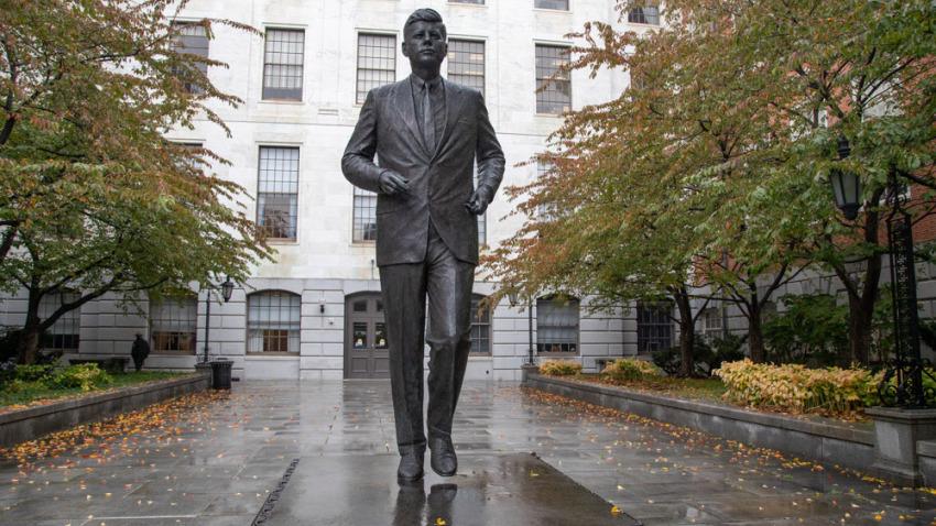 Patung Tembaga John F Kennedy, sumber NBC