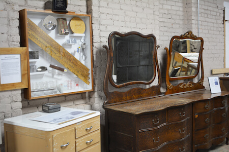Coppes Dresser with Mirrors