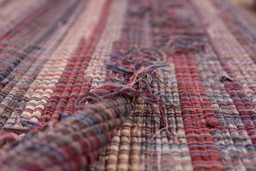 Lera's Rugs End Knots