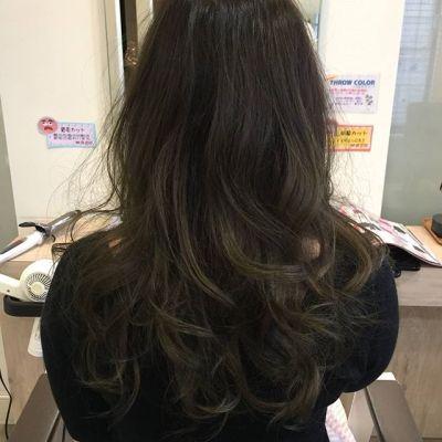 夏頃にしたグラデーションカラーを活かしたオリーブアッシュ☆#グラデーションカラー #スロウカラー #グリーン#美容師 #美容室#前髪作った #カラー #カット #村山充