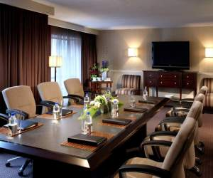 Five Popular Hotel Venues for Business Meetings