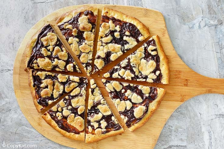, Ci Ci's Chocolate Dessert Pizza