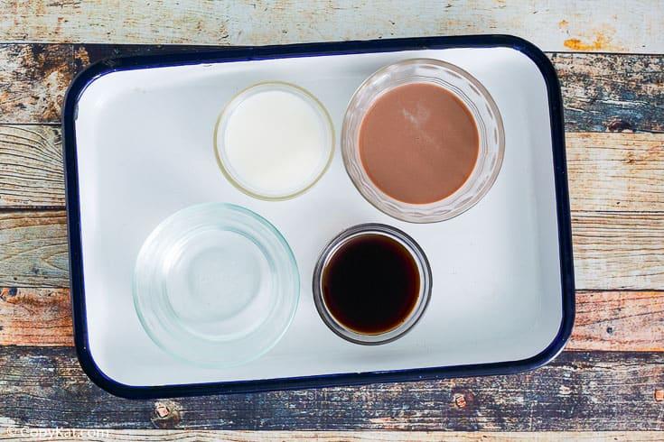 , Kahlua Mudslide Cocktail | CopyKat Recipes