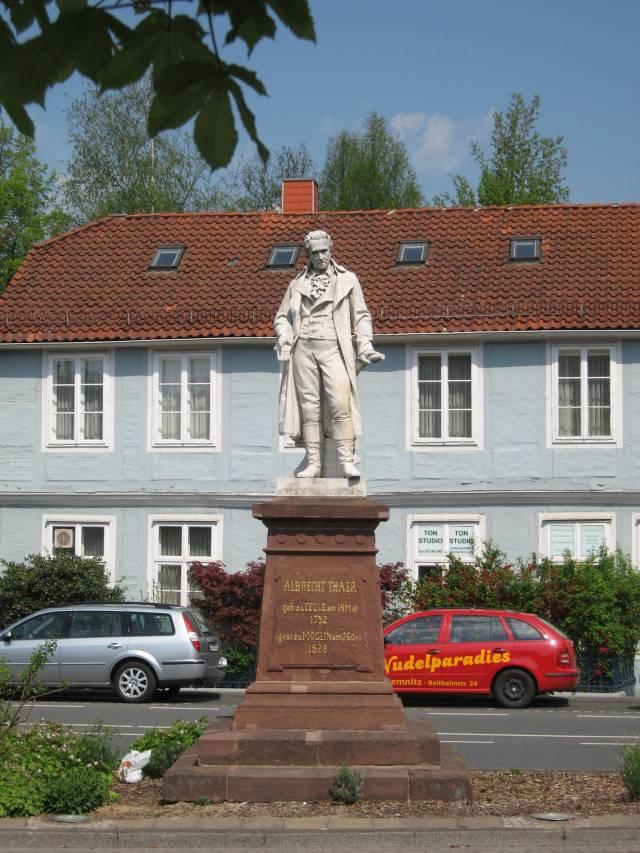 Albrecht Thaer statue