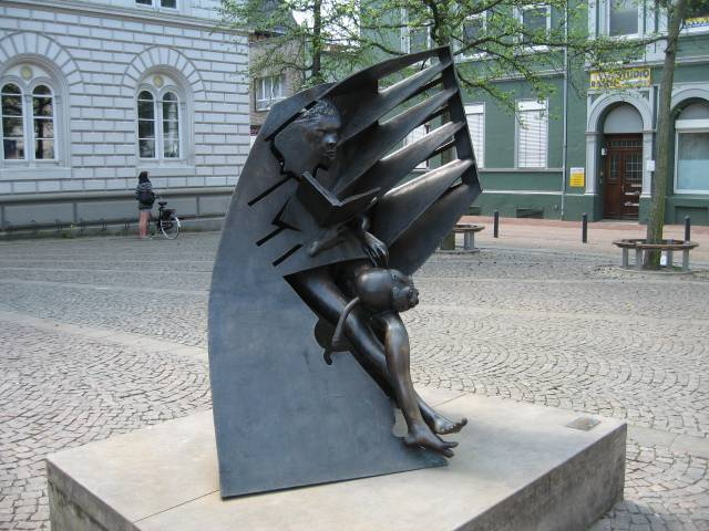 The reader, Celle