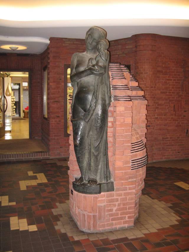 Böttcherstraße Hoetger Madonna