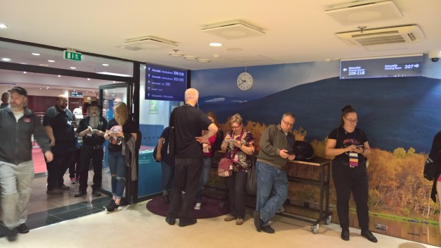Queuing at WorldCon 75