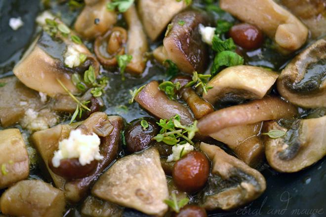 Kräuterpolenta mit Pilzen - Zubereitung