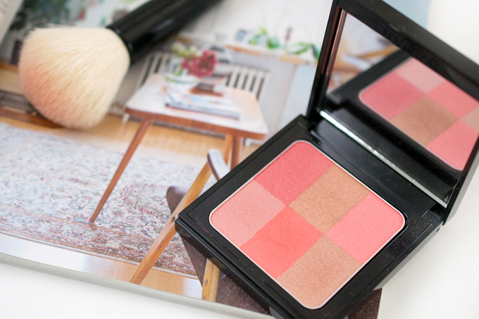 Bobbi Brown Brightening Brick Coral 5 klein