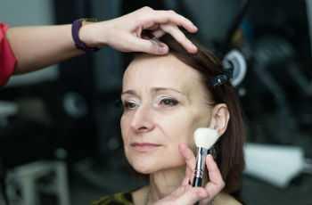 Возрастной макияж для визуального омоложения