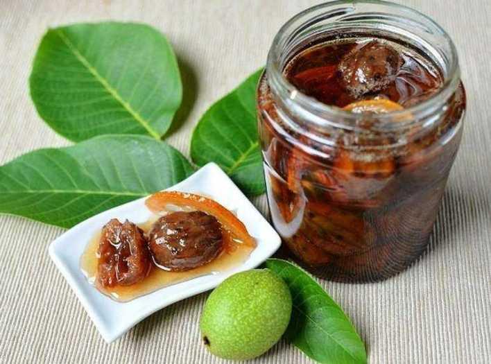 Варенье из зеленого грецкого ореха