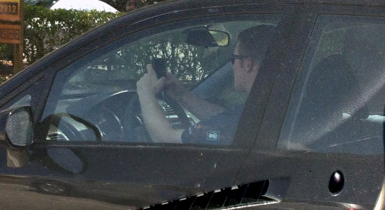 Rick Scott Signs Texting While Driving Ban into Law