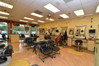 Interior of Coral Springs Styling and Barber