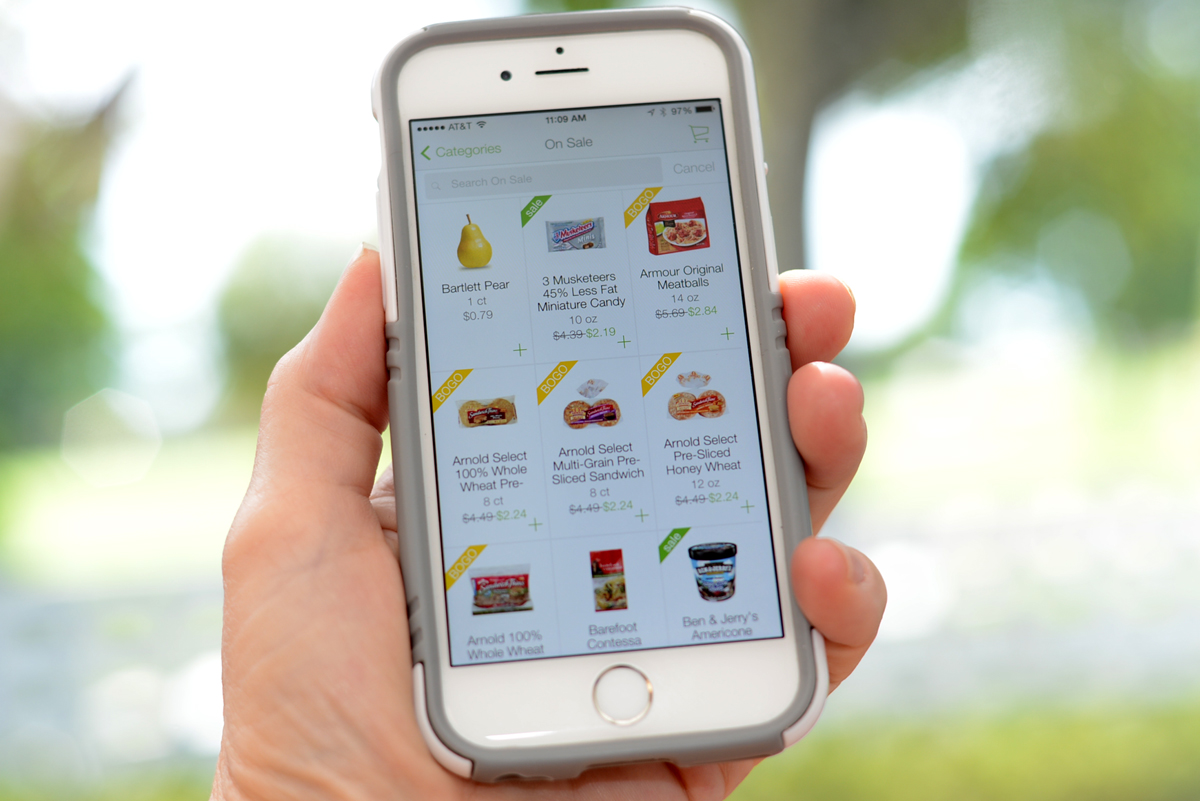 Mobile Coupon Apps With everyone having Smartphones these days, it would only make sense for coupons to make it there too! We love Mobile Coupon Apps! What's really awesome is if one app has a rebate, and another has a rebate for the same product, you can redeem both. We.