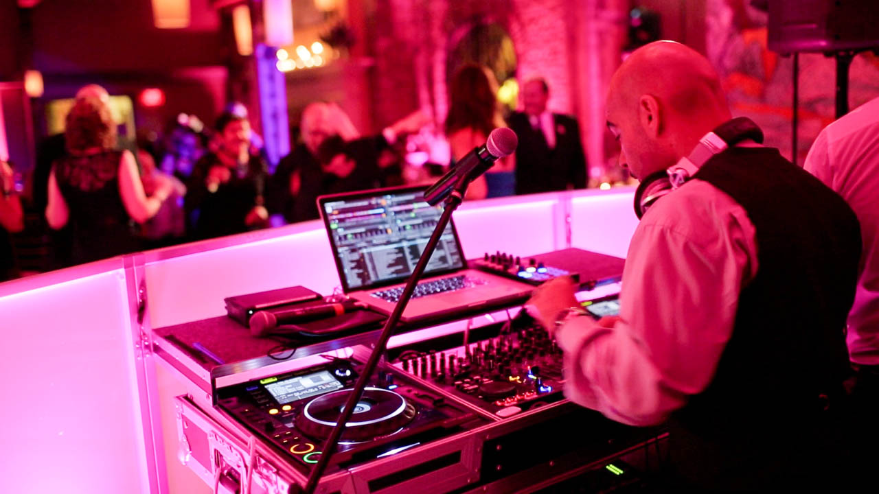 Choosing Your Wedding Band or DJ 2014 Wedding Tips  Videography Cinematography Wedding Films
