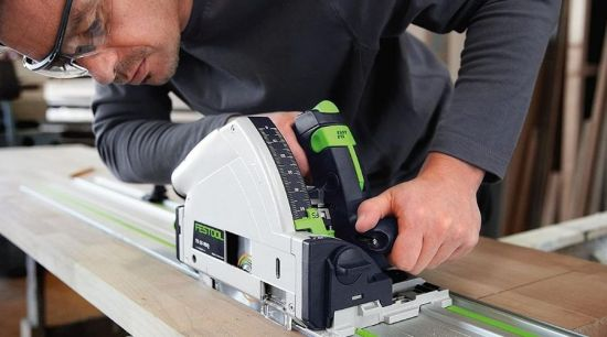 The best cordless track saw in use to produce precise wood cuts