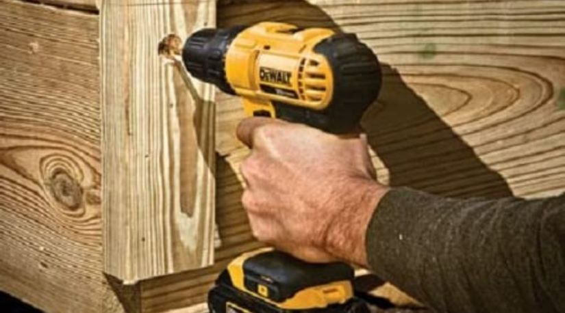 An image of DEWALT 20V Max Cordless Drill / Driver Kit, Compact, 1/2-Inch (DCD771C2), an example of a unit with the long lasting battery