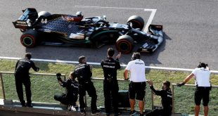 HAMILTON SE IMPONE EN UN ACCIDENTADO MUGELLO