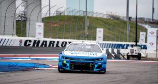IMÁGENES DE LA PRUEBA A EQUIPOS COMPLETOS DE LOS NUEVOS AUTOS DE NASCAR