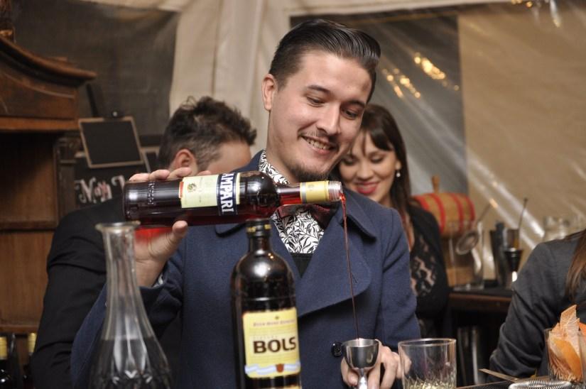 Sebastián García, bartender de Campari a cargo de #cuentosdelconde (baja)