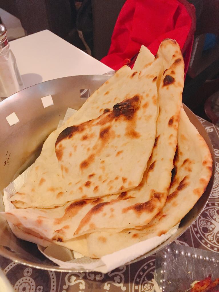 Naan, pan de India.