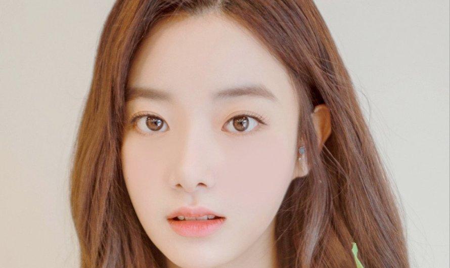 A ex-membro do April Hyunjoo admite pessoalmente que foi fisicamente e verbalmente intimidada por seu grupo por 3 anos, DSP não a deixará rescindir seu contrato