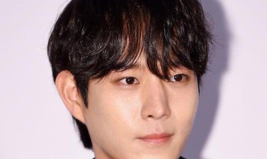 A agência de Kim Young Dae diz que sua saída de 'School 2021' foi devido a problemas com a produtora