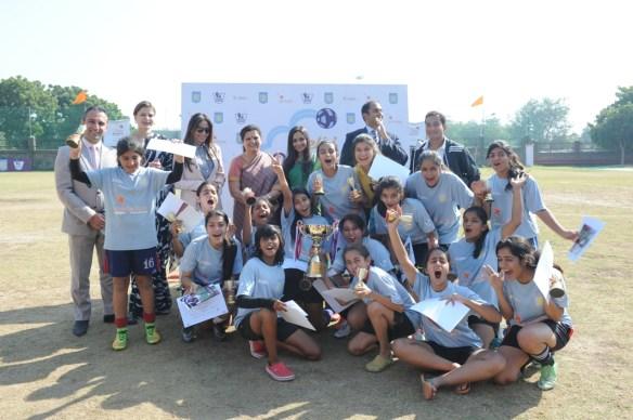 Bahruz Balayev Kalyani Chawla Abha Sehgal Shalu Jindal Lora Prabhu Sara Pilot Ravinder Masih with winning team Step B_