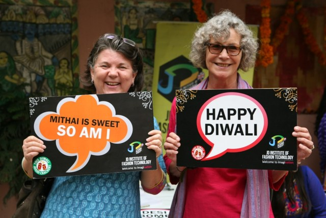 Visitors spread the message of Diwali-1