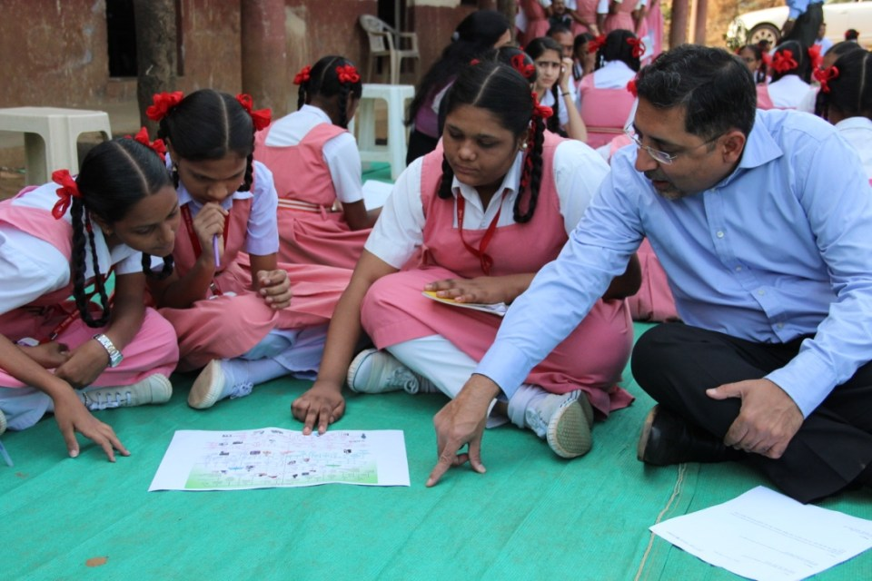 mr-vivek-gambhir-md-godrej-consumer-products-with-students-in-mumbai