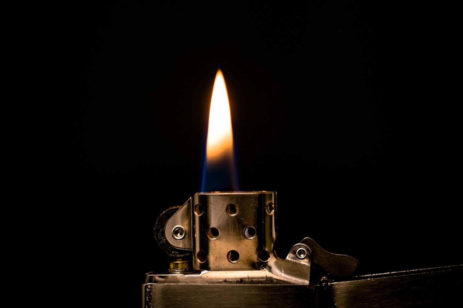 『火であぶられた顔』|【狂気】人間の本当にあった怖い話