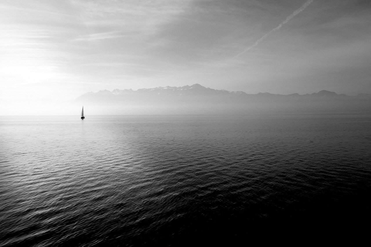 海にまつわる怖い話『良栄丸事件』|洒落怖・海の怪談