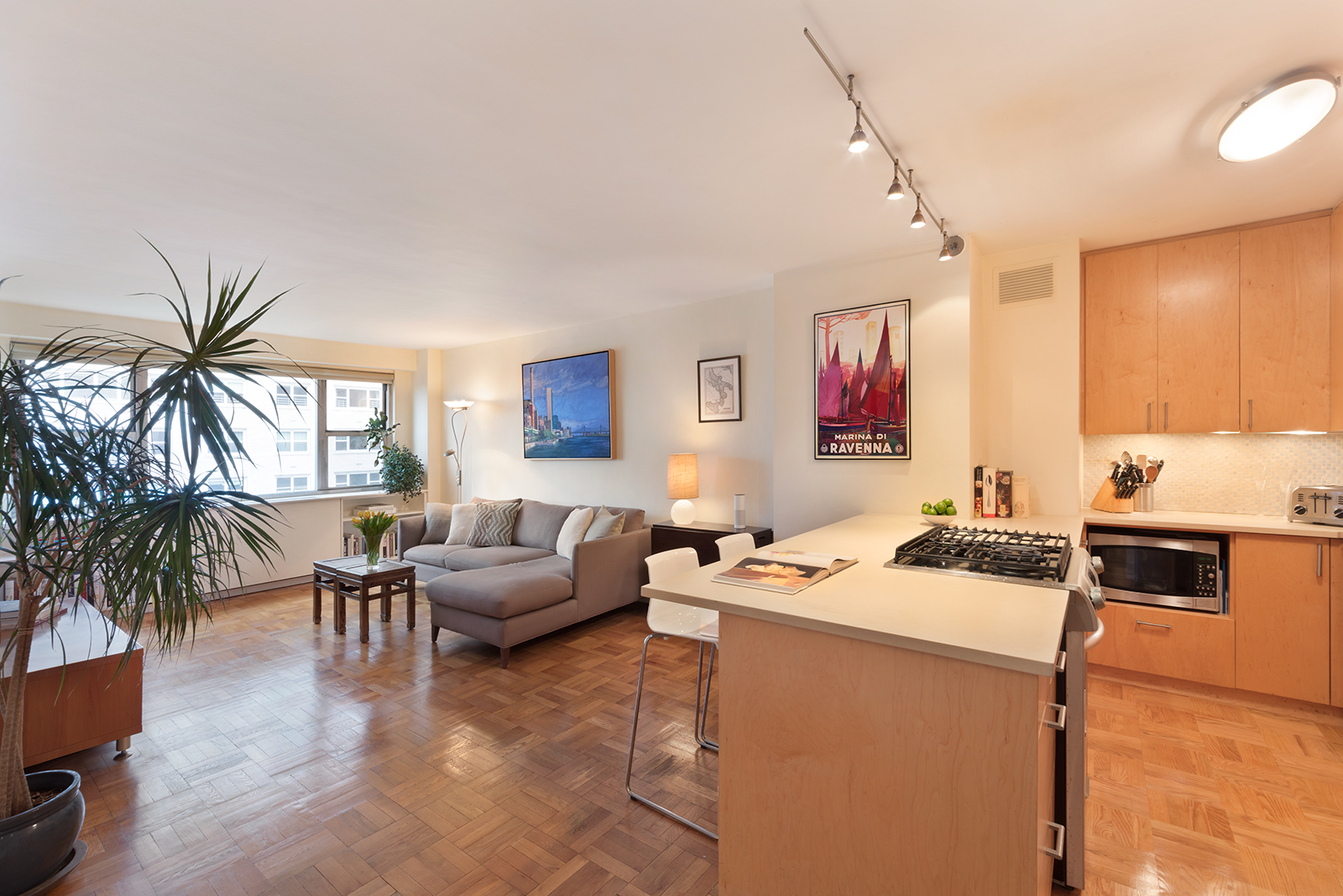 79 West 12th St. 8E. New York. NY 10011 | CORE Real Estate
