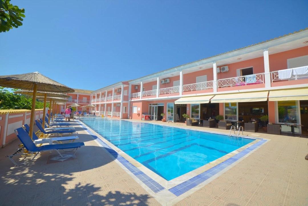 angelina-hotel-sidari-corfu-pool-area